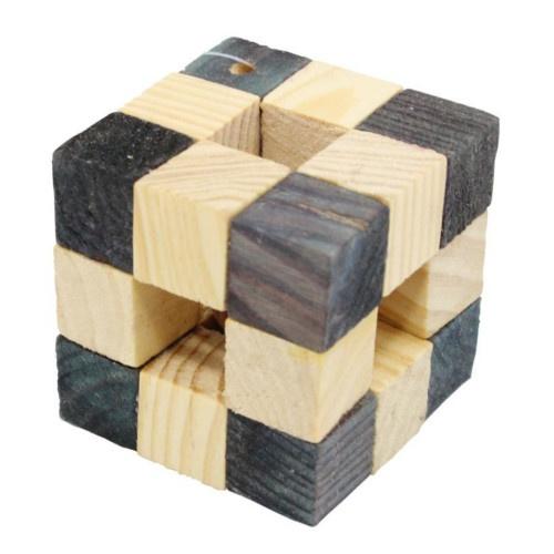 Brinquedo cubo de madeira para hamster