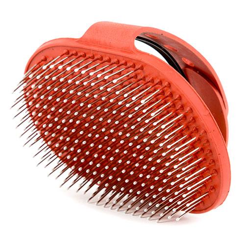Escova de borracha com pontas metálicas