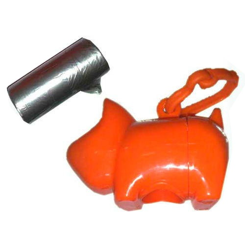 Cãozinho porta bolsas recolhe excrementos