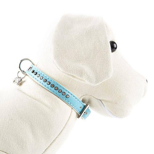 Coleira imitação pele azul com strass brilhantes para cães